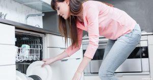 استخدام سائل غسيل الأطباق في غسالات الصحون