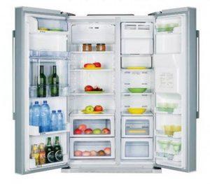 و من أهم مميزات الثلاجة ذات البابين